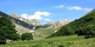 CASTIGLIONE – VILLAGRANDE di TORNIMPARTE *10 giugno 2012*  CAI 150° – SALARIA – 4 REGIONI SENZA CONFINI