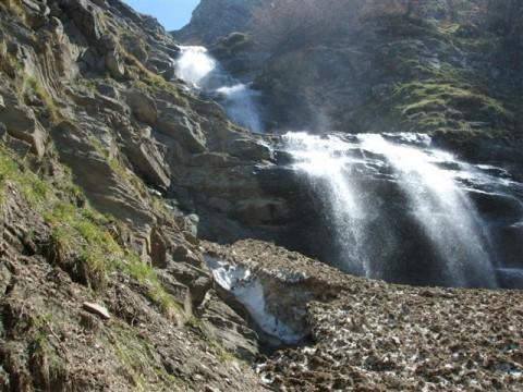 cascata-dellortanza1.jpg