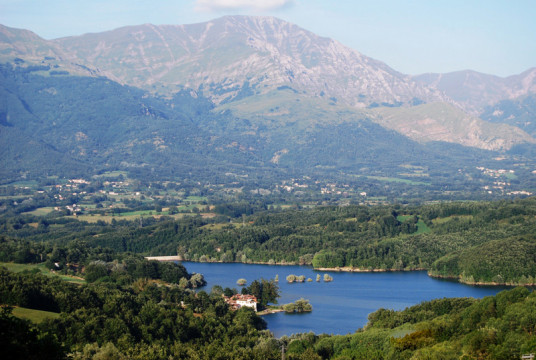lago-scandarello-monti-della-laga.jpg