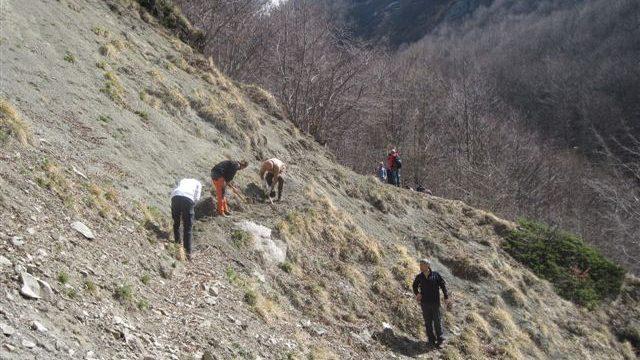 2012-03-31-I^-Giornata-Sentieri-Selva-Grande-29.jpg